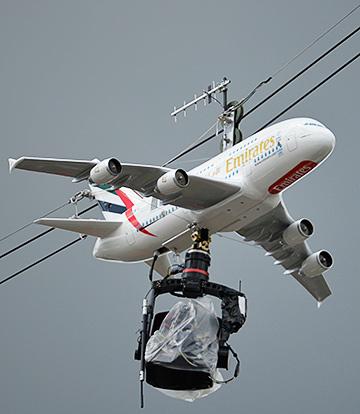 Камера с самолётом