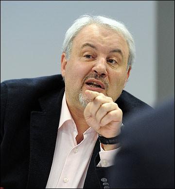 Кирилл Фастовский поломал голову над выбором вратаря