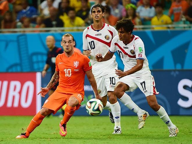 Нидерланды играют с Коста-Рикой
