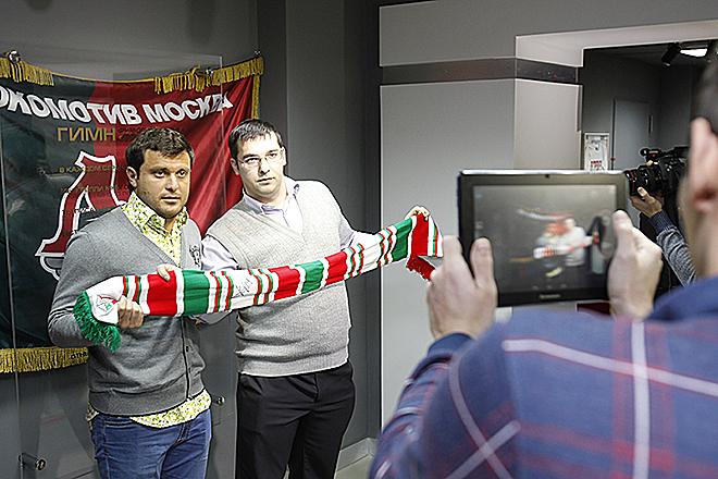 Алан Касаев на встрече с болельщиками «Локомотива»