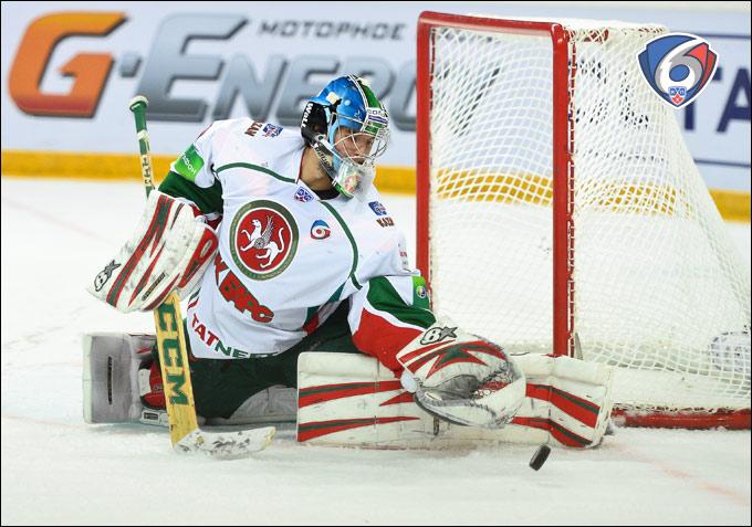 Из двух десятков человек зацепиться за КХЛ сумел разве что казанец Эмиль Гарипов