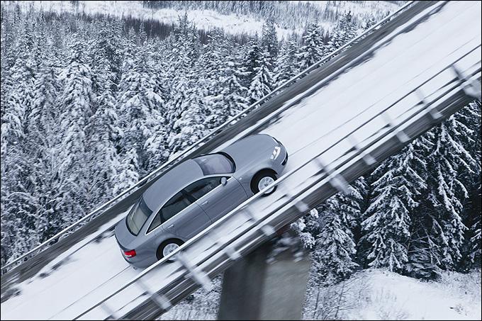 Триумфальный заезд Audi A6 quattro на 47-метровый трамплин