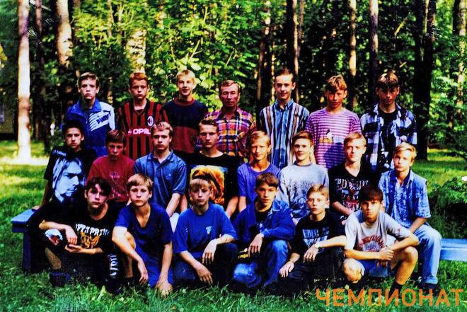 Братья Березуцкие — крайние справа в верхнем ряду