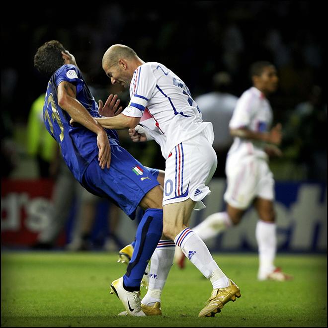 110-я минута финала ЧМ-2006, конфликт с Зиданом, удаление Зинедина, не выдержавшего хамство Марко Матерацци