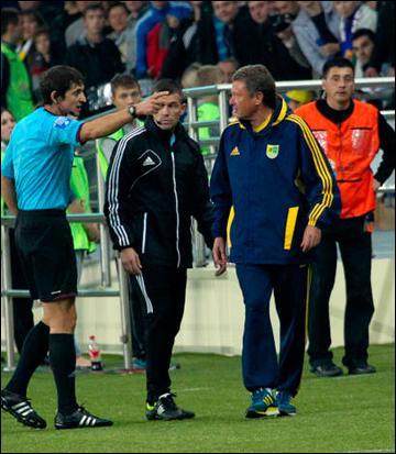Мирон Маркевич был удалён с тренерской скамьи за споры с арбитром