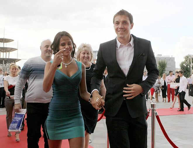 Артём Дзюба с женой Кристиной