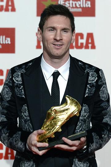 """Пока суд да дело, аргентинец удостоился очередной награды: ему вручили европейскую """"Золотую бутсу"""" по итогам прошлого сезона"""