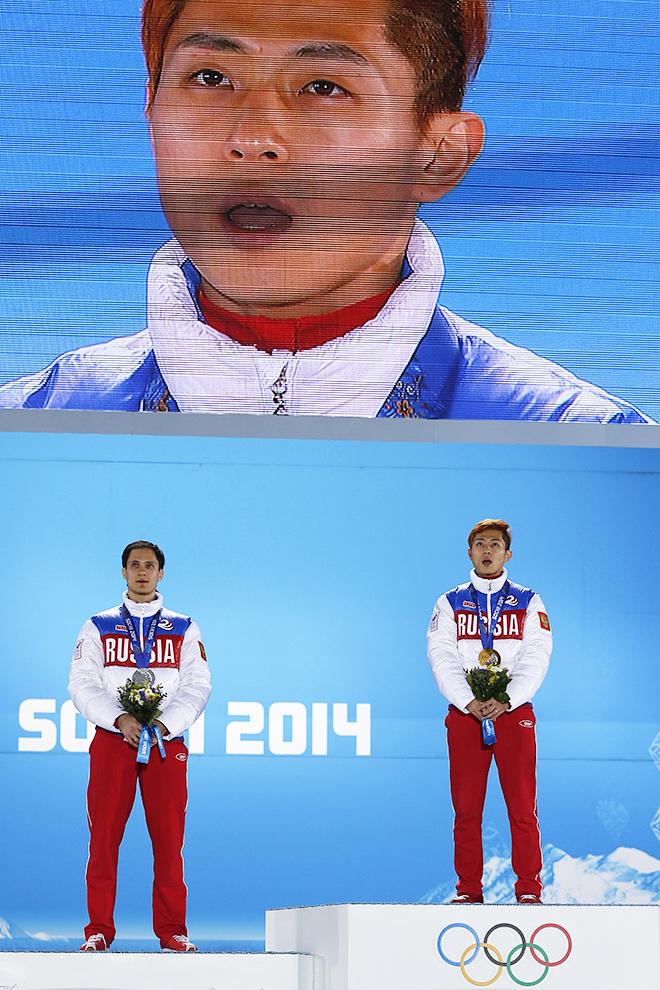 Чемпион Олимпийских игр в Сочи Виктор Ан выполнил своё обещание и спел гимн России на церемонии награждения