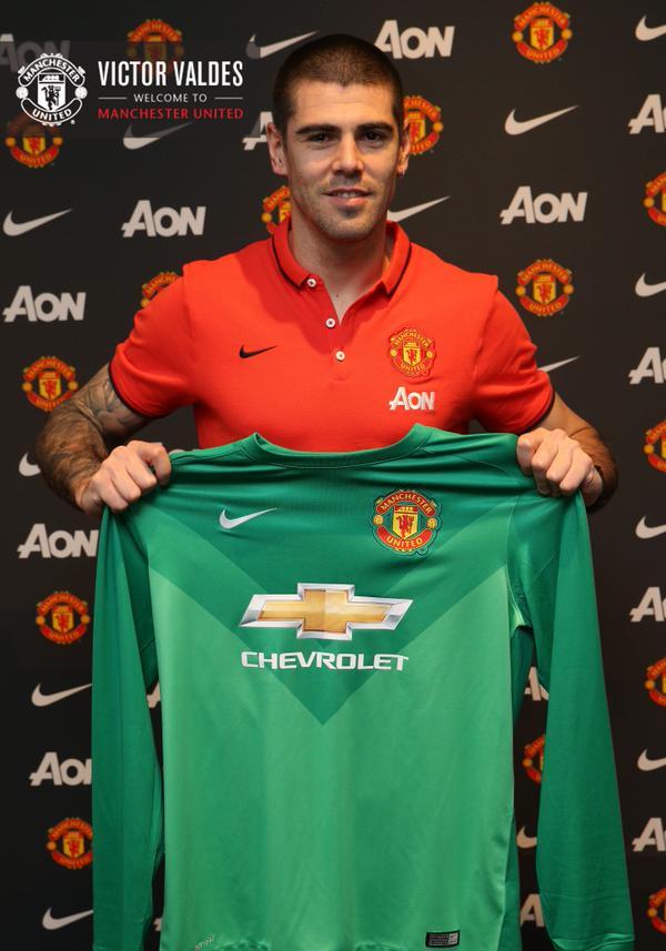 Виктор Вальдес — вратарь «Манчестер Юнайтед»