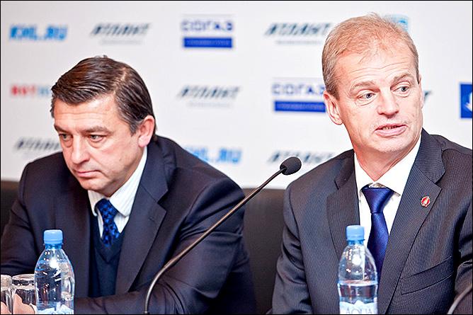 Андрей Хомутов и Бенгт-Оке Густафссон на послематчевой пресс-конференции