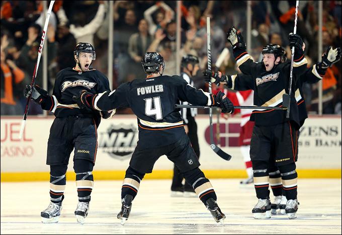 """8 мая 2013 года. Анахайм. Плей-офф НХЛ. 1/8 финала. Матч № 5. """"Анахайм"""" — """"Детройт"""" — 3:2 (ОТ). Есть третья победа """"Уток"""" в серии!"""