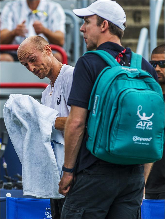 Николай Давыденко не смог завершить свой четвертьфинальный матч