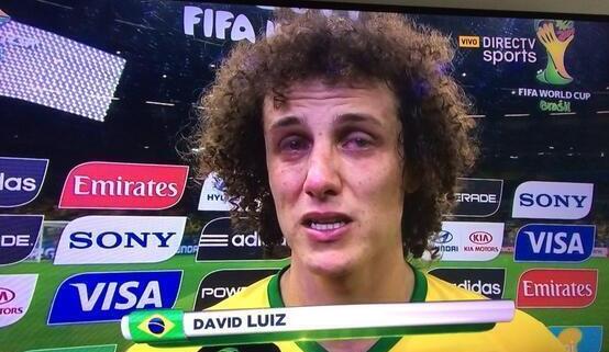 Давид Луис расплакался после матча