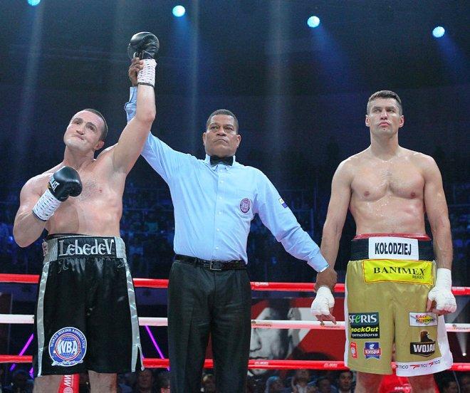Лебедев вернулся на ринг яркой победой над Колоджеем
