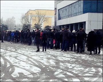 Очередь за билетами на плей-офф в Нижнем Новгороде