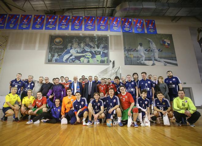Журналистская сборная России по гандболу вновь уступила Беларуси – 11:16