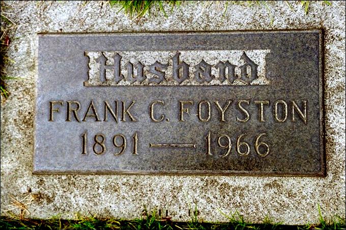 Могила Фрэнка Фойстона на мемориальном кладбище Вашингтона