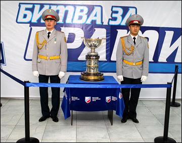 """Вехи сезона ВХЛ. Почётный караул у """"Братины"""""""