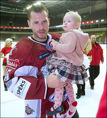 Мартиньш Карсумс с дочерью
