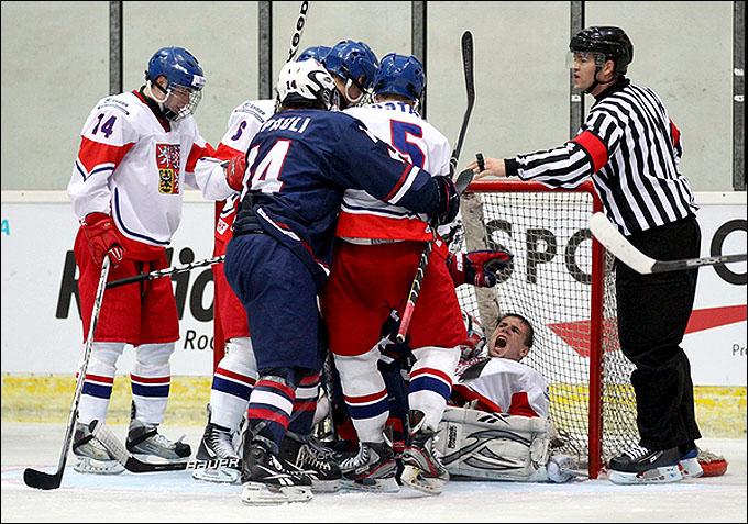14 апреля 2012 года. Бржецлав. Юниорский чемпионат мира. США — Чехия — 5:0