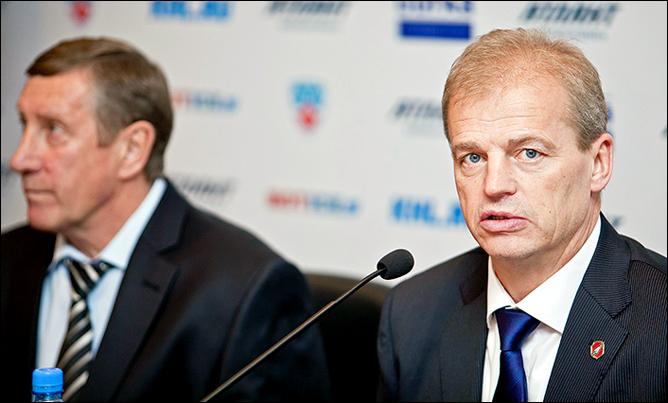 Валерий Белоусов и Бенгт-Оке Густафссон на послематчевой пресс-конференции