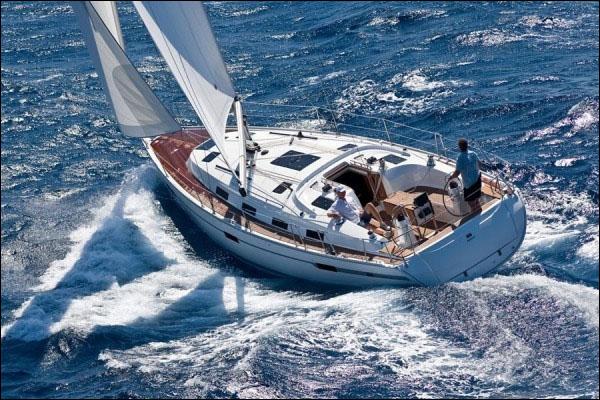 Яхта Bavaria 40 BT 2013 года с геннакером