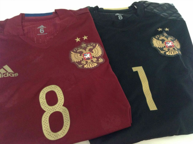 Россия сыграет в красном