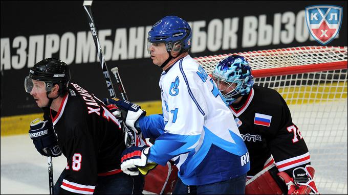 Александр Медведев знает, что хоккея много не бывает