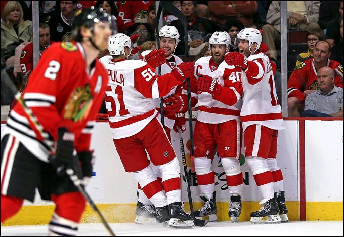 """18 мая 2013 года. Чикаго. Плей-офф НХЛ. 1/4 финала. Матч № 2. """"Чикаго"""" — """"Детройт"""" — 1:4. """"Красные Крылья"""" сравнивают счёт в серии"""