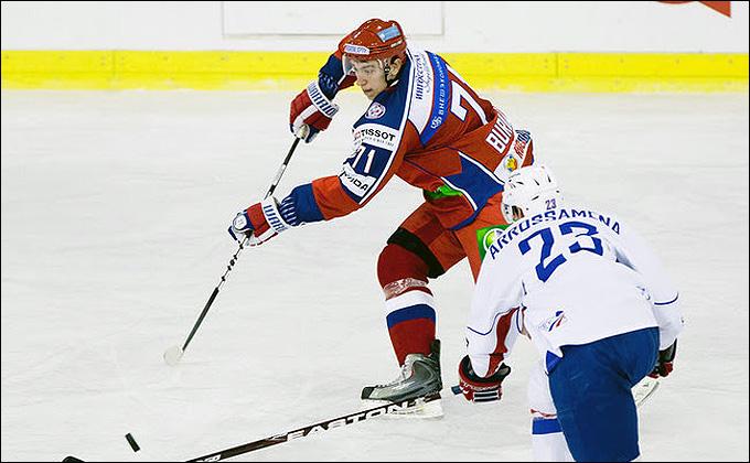 В атаке Антон Бурдасов