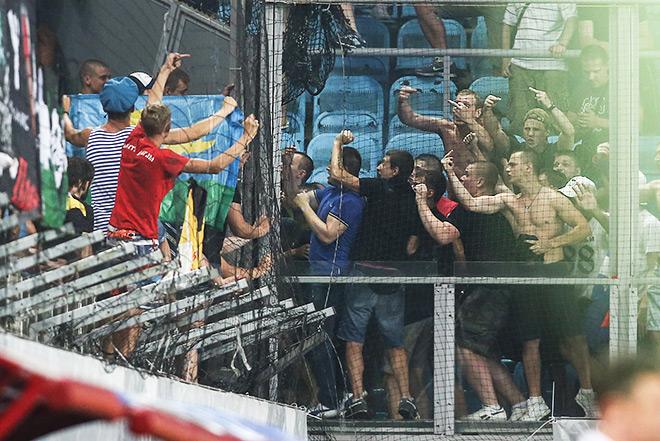 Фанаты и полиция выясняли отношения и в Химках