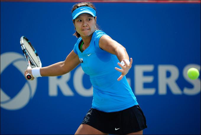 Ли На отыгралась с 1:5 у Люси Шафаржовой и вышла в финал Монреаля