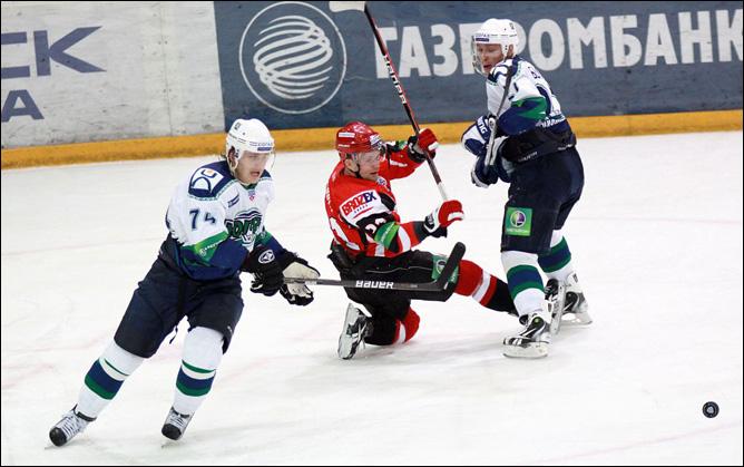 "27.10.2010. КХЛ. ""Автомобилист"" - ""Югра"" - 3:2. Фото 01."