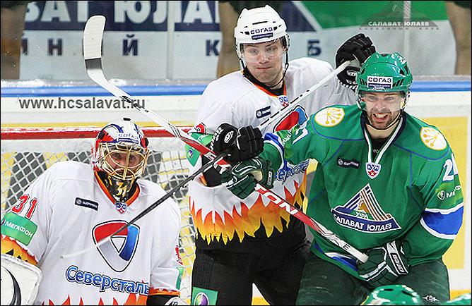 """27.10.2010. КХЛ. """"Cалават Юлаев"""" - """"Северсталь"""" - 1:4. Фото 02."""