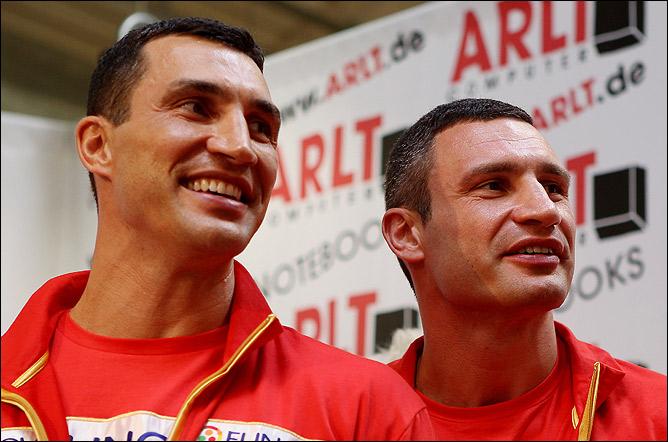Братья Кличко в шаге от заветной цели — объединение чемпионских поясов основных организаций.