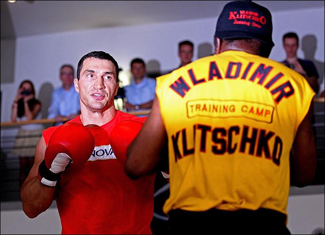 Тренер украинца Эмануэль Стюард уверяет, что противоядие против действий британца готово.