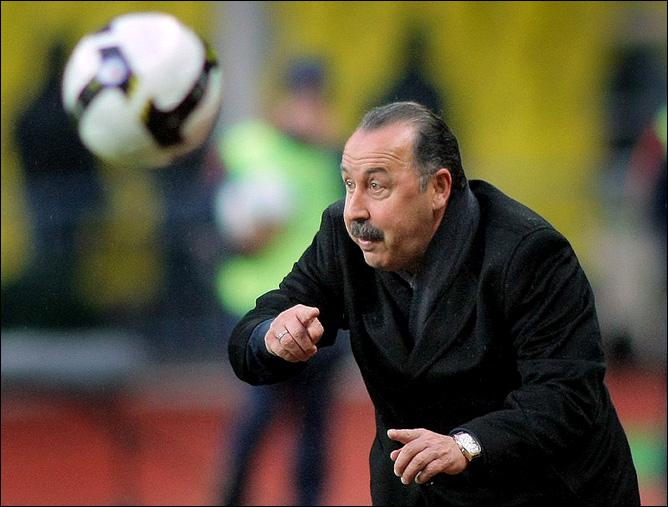 """И. Рабинер. """"Секреты футбольных маэстро"""". Газзаев. Фото 05."""