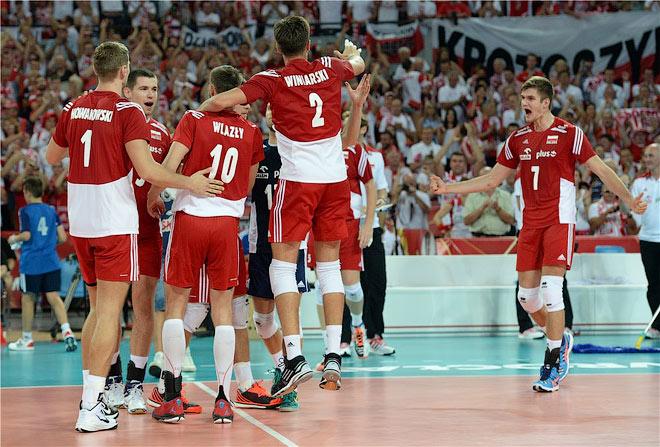 Сборная Польши прошла первый этап без потерь
