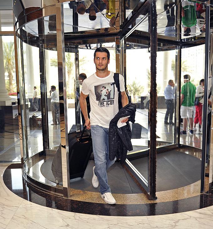 """Эмир Спахич прибыл в расположение """"Анжи"""""""