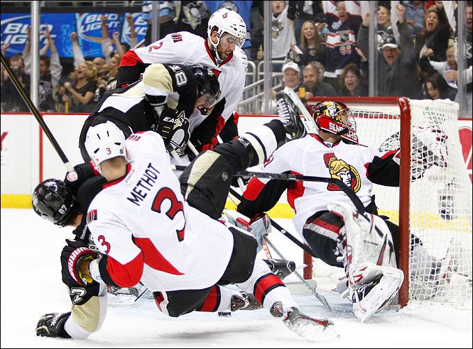 """24 мая 2013 года. Нью-Йорк. Плей-офф НХЛ. 1/4 финала. Матч № 5. """"Питтсбург"""" — """"Оттава"""" — 6:2. Сражение было жаркое"""