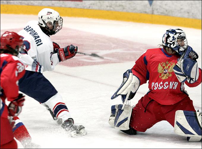Александр Печурский в воротах юниорской сборной России
