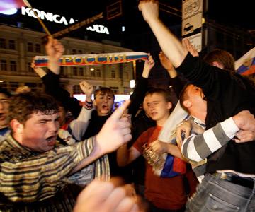 Россия праздновала победу в четвертьфинале Евро-2008 всю ночь