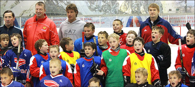 В Красноярске звёзды хоккея провели мастер-класс