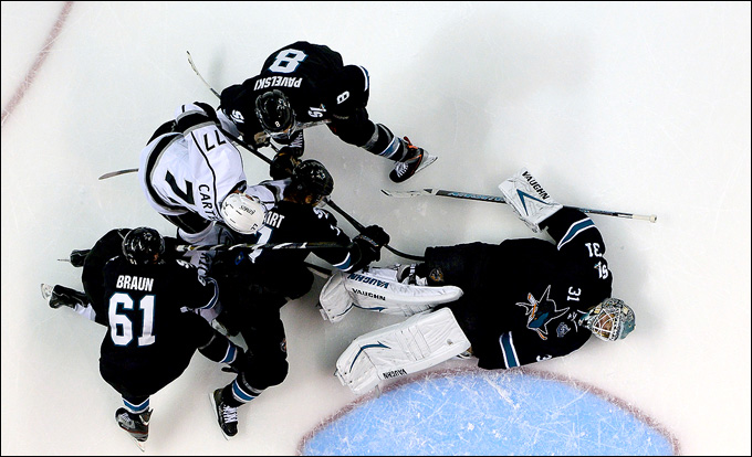 "21 мая 2013 года. Сан-Хосе. Плей-офф НХЛ. 1/4 финала. Матч № 4. ""Сан-Хосе"" — ""Лос-Анджелес"" — 2:1. Антти Ниеми в очередной раз спасает ""акул"""
