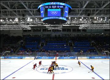 9 февраля 2014 года. Сочи. Хоккей. Женщины. Групповой турнир XXII Зимних Олимпийских игр. Россия — Германия — 4:1. Стартовое вбрасывание