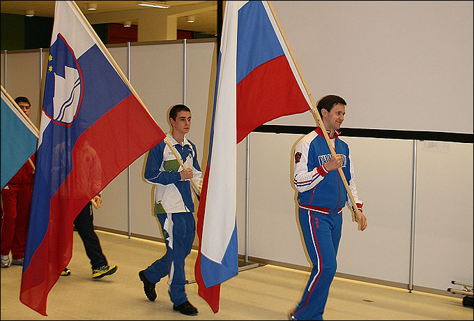 Наш знаменосец Константин Приходченко
