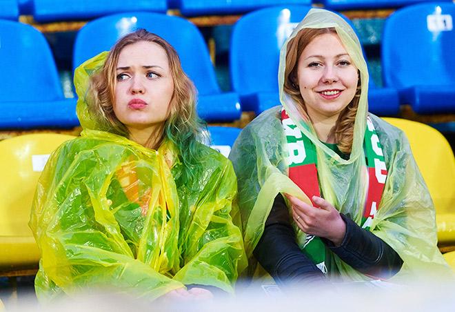 Болельщицы «Локомотива» в Ростове-на-Дону