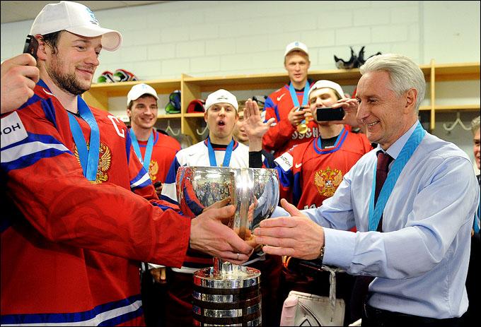 Зинэтула Билялетдинов: кубок с шампанским из рук капитана