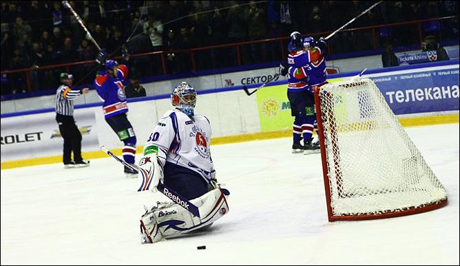 30.10.2010. КХЛ. Сибирь - Торпедо - 2:0. Фото 04.