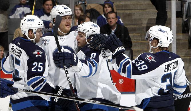 """20 октября 2011 года. Торонто. Регулярный чемпионат НХЛ. """"Торонто Мэйпл Лифс"""" — """"Виннипег Джетс"""" — 4:3"""